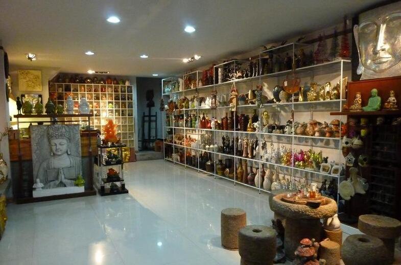 如何設計出精美的飾品店裝修圖片?